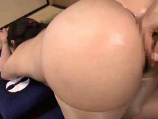 Butt play milf gets her arse..