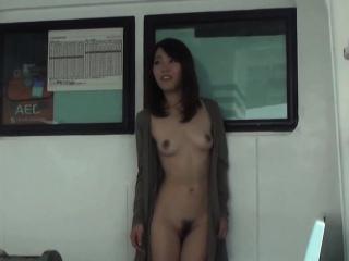 Japanese babe flashing