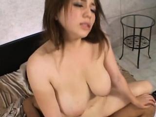 Pretty asian babe sucks a..