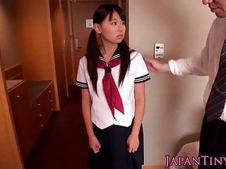 Japanese schoolgirl Airi..