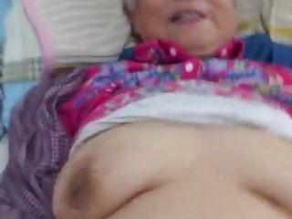 Very Precise Chinese Granny..