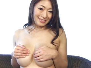 Non-native Japanese chick..
