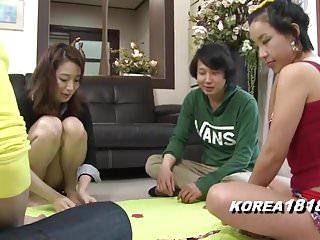 Korean Porn SEXY STRIPTEASE..