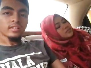 Indonesian MILF Licked by..