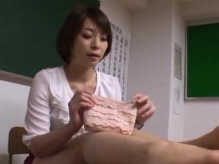 Ravishing Tamaki Nakaoka is..