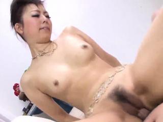 Seducitve Yuki Asami works..