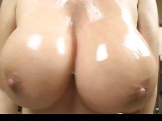 Beamy Tit Asian Stepmom..