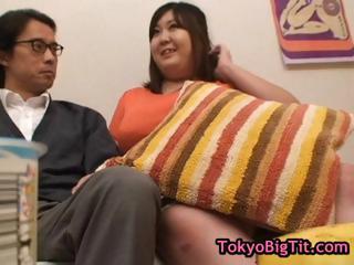 Fat hitomi matsumoto playing..